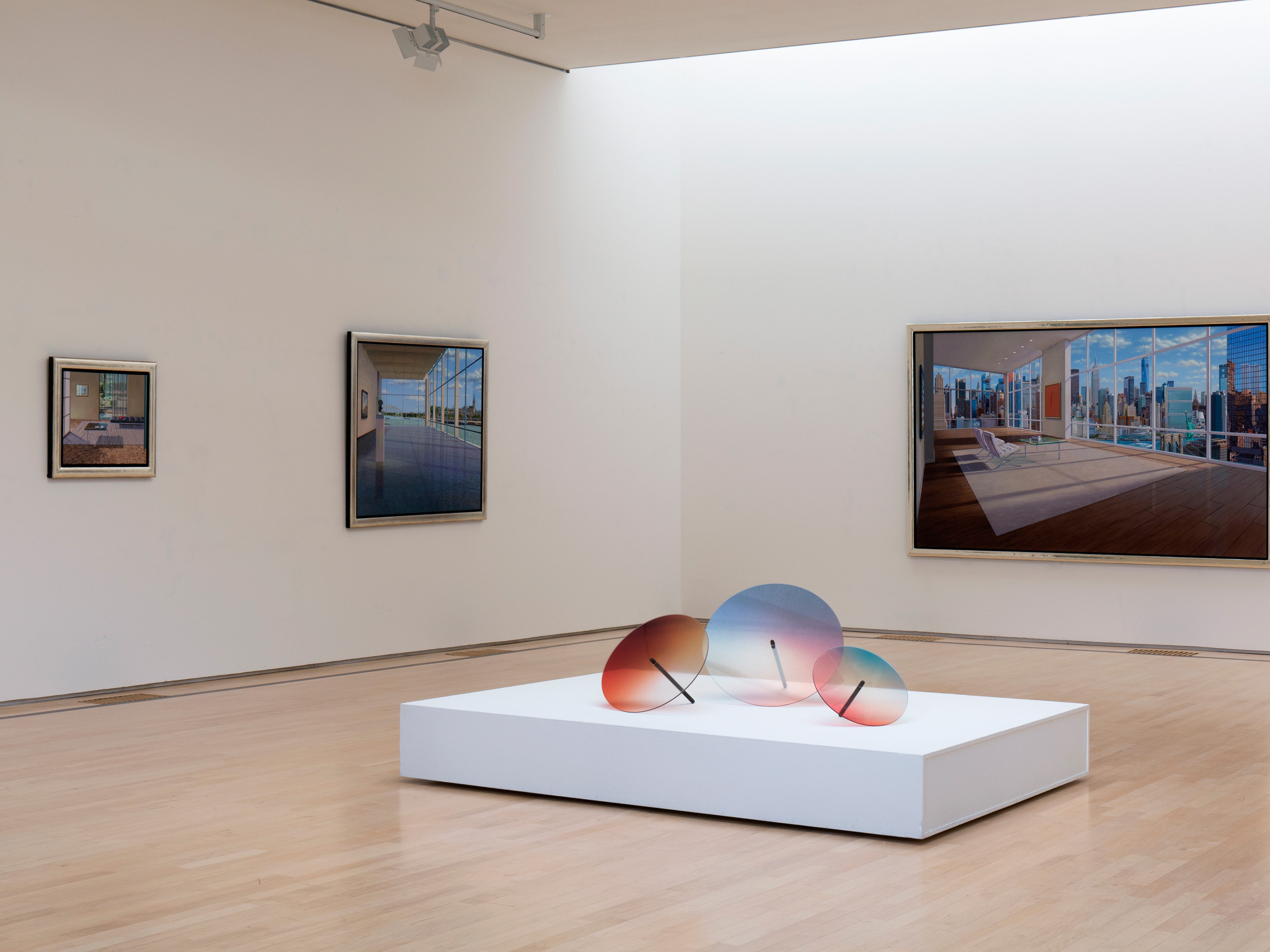 Colored wheels, tentoonstelling in Museum Jan van der Togt in Amstelveen door kunstschilder Willem van Veldhuizen