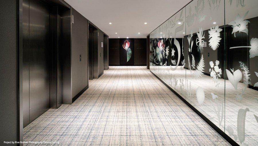 Design voor interieur van Rive Roshan als print op spiegel voor Hyatt Regency Hotel Amsterdam