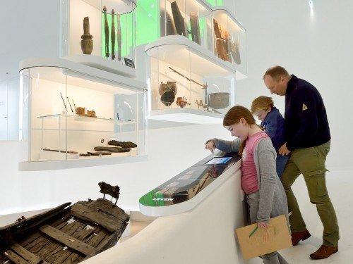 Iwaarden, artwork, expositions, exhibits, tentoonstelling, castellum paviljoen