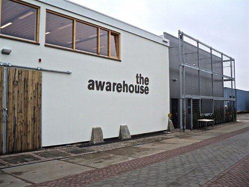signing en gevelstyling voor the awarehouse. Exterior signage, Cortens staal, gevellogo gemaakt door Iwaarden, gevelstyling