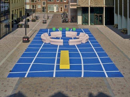 Kunstproject 'The splash' in Rotterdam, door Arttenders en Cindy Bakker, schildering op plein door Iwaarden