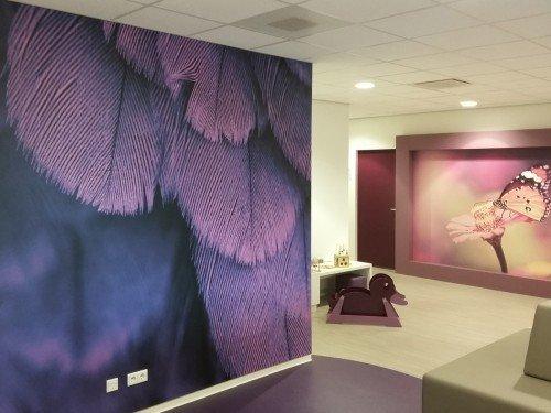 Iwaarden interior - wallcovering - wandbekleding - wanddecoratie met print op naadloos behang of textielframe  zorgt voor sfeer