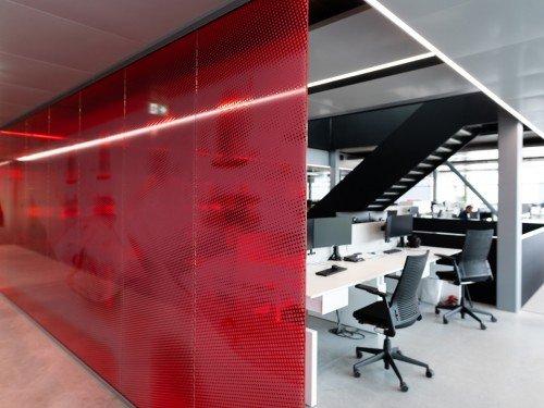 Groot formaat print op glas, print-to-glass, glasdecoratie, kantoor Aan Handling, Iwaarden