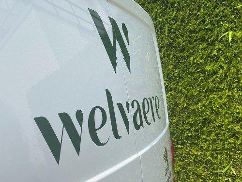 Autobelettering Welvaere bedrijfswagen wordt rijdend visitekaartje