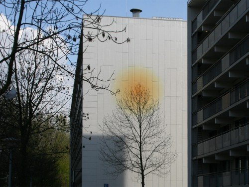 Artwork, mural, kunstproject van een muurschildering van Aam Solleveld in hoofddorp, groot formaat schilderen op hoogte, gemaakt door Iwaarden