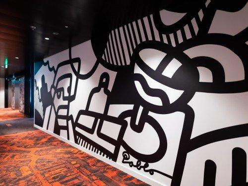 Project in hotel citizenM in Amsterdam, mural wandbekleding door PabloLucker in hotel CitizenM aan de Amstel