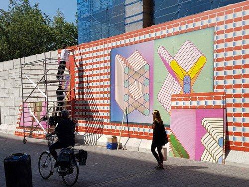 Mural - Print van kunstenaar Sigrid Calon op wanden van passage in Tilburg