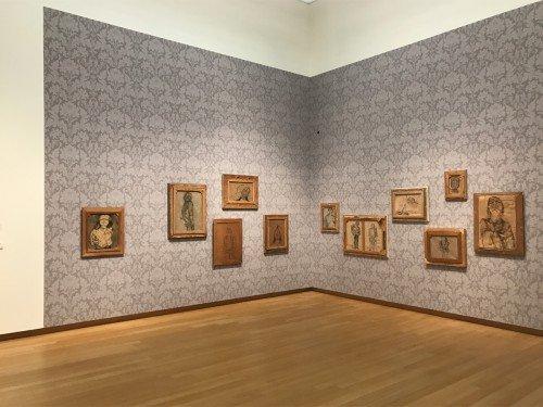 tentoonstelling stedelijk museum van Walid raad, expositions, exhibits, wandbekleding van musea, gemaakt door Iwaarden