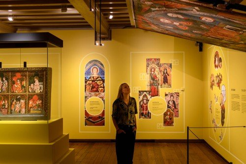 Decoraties met print op verwijderbaar behang voor tentoonstelling, exhibit, Nort & South in Museum Catharijneconvent Utrecht