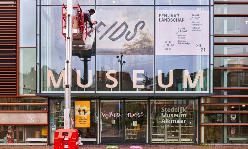 Windowgraphics and wallgraphics for exhibition Weids, Stedelijk Museum Alkmaar