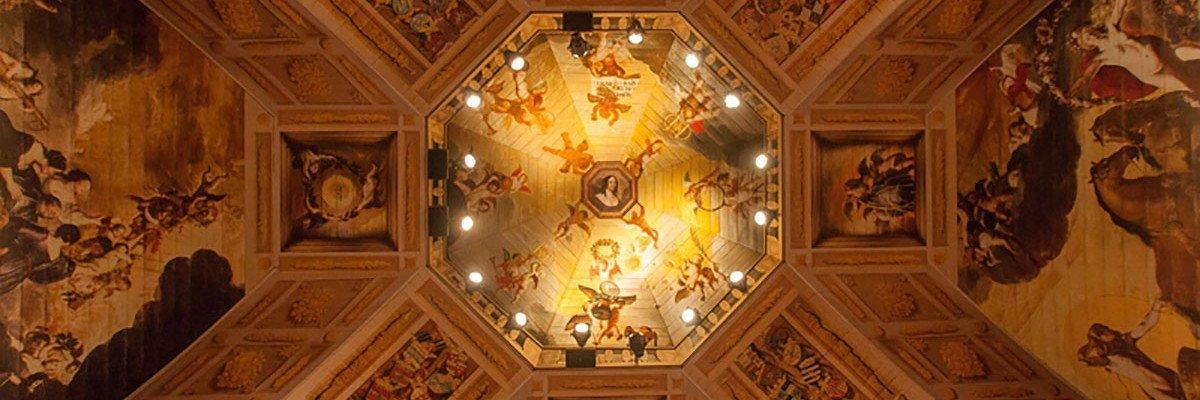 Replica Oranjezaal voor Huygens Tentoonstelling in Grote Kerk Den Haag, groot formaat print op panelen, wanden en plafond