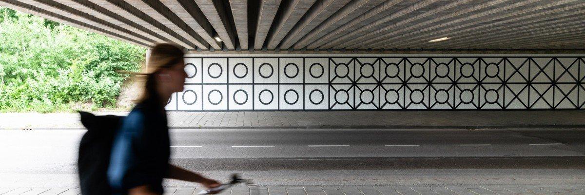 Tunnel between Overschiestraat – Luchtvaartstraat in Amsterdam transforms into work of art with mural Aam Solleveld