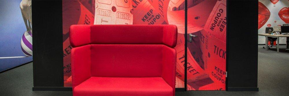 Grot formaat print, printen op wand, bol.com kantoor, Naadloos behang, wandbekleding, Iwaarden